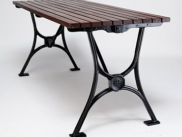 Piazza Table