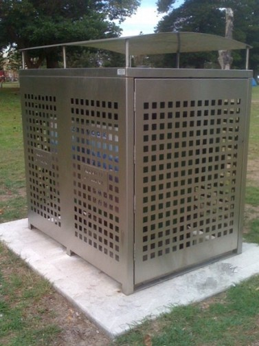 EM224 Emerdyn Bin Enclosure Custom 660L Edition Stainless Steel.JPG
